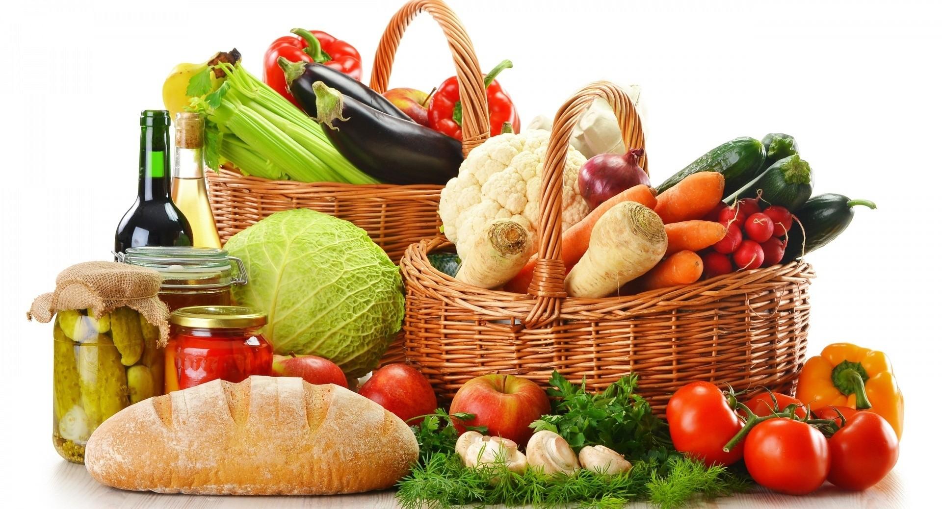 Konsumoni këto ushqime për t'u dukur të bukur