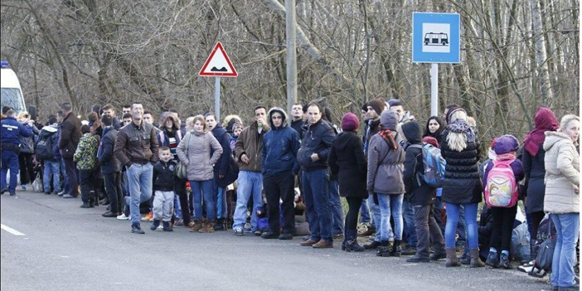 Sunday Times jep alarmin: Fluks emigrantësh drejt Shqipërisë