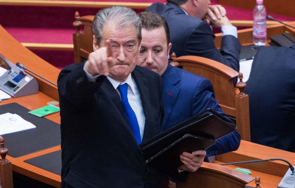 Thirrja për armatosje, PS kallëzon Berishën në Prokurori