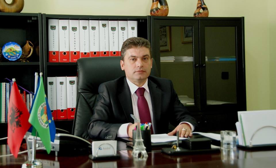 Kreu i Bashkisë Lushnje-qytetares: Ta fus atë portofolin mu në gojë
