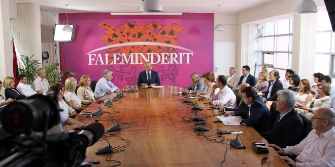 26 deputetët e Partisë Socialiste  që Edi Rama i la jashtë liste