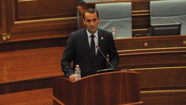 Haradinaj zbulon letrën e Tahirit drejtuar Mustafës për murin në Mitrovicë