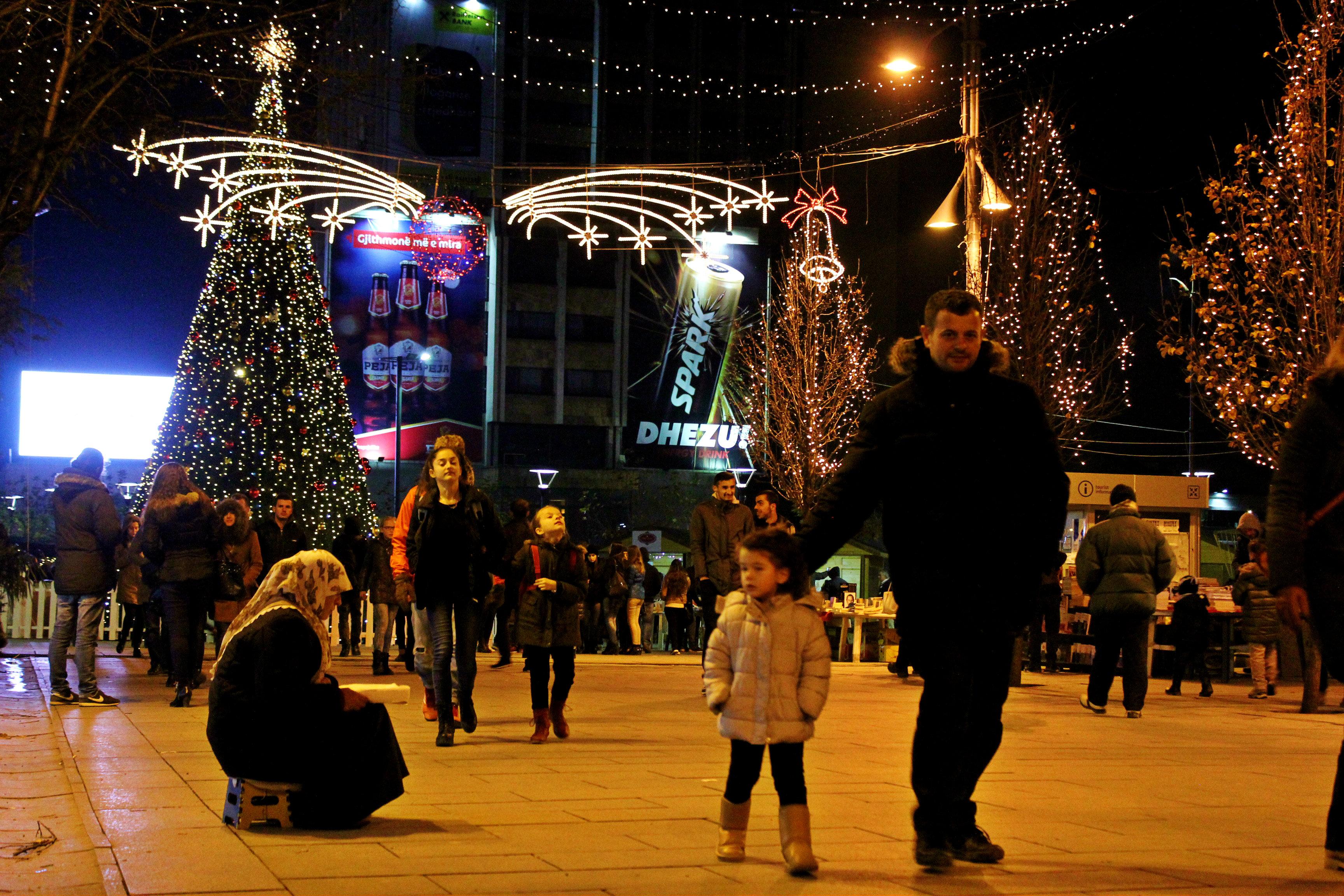 Festat e fundvitit, shqiptarët kërkesa për t'i kaluar jashtë