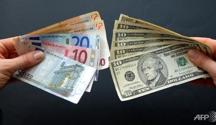 Euro barazim me dollarin? Çmimi i parashikuesve të tregjeve për vitin 2017