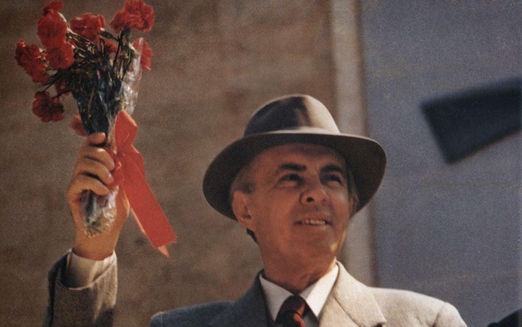 Fakte të panjohura / Si e zbuti Enver Hoxha luftën e klasave