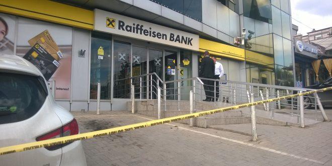Si u zhdukën 50 milionë euro në bankat shqiptare