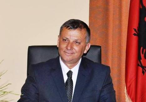 Dorëheqja e Koçit  në Kuvend vjen Prefekti i Fierit