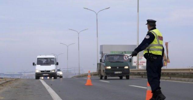 Mitrovicë  arrestohen dy persona  sulmuan policin