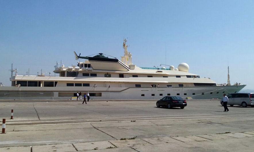 Princi saudit në Durrës. Mbërrin me jahtin gjigant (Foto)
