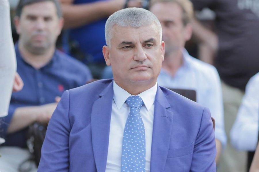 Kërcënohet me armë kryebashkiaku: 300 mijë euro ose të vras