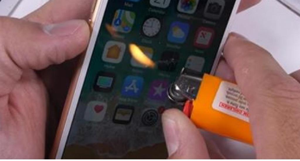 I vuri flakën ekranit të iPhone 8, e papritur ajo që ndodhi