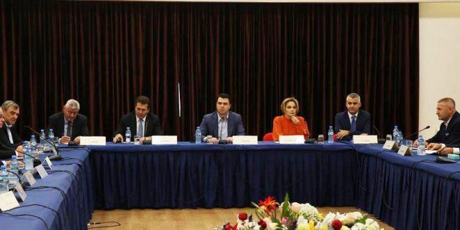 Tahiri bashkon opozitën  Lalla  heto ish ministrin e brendshëm