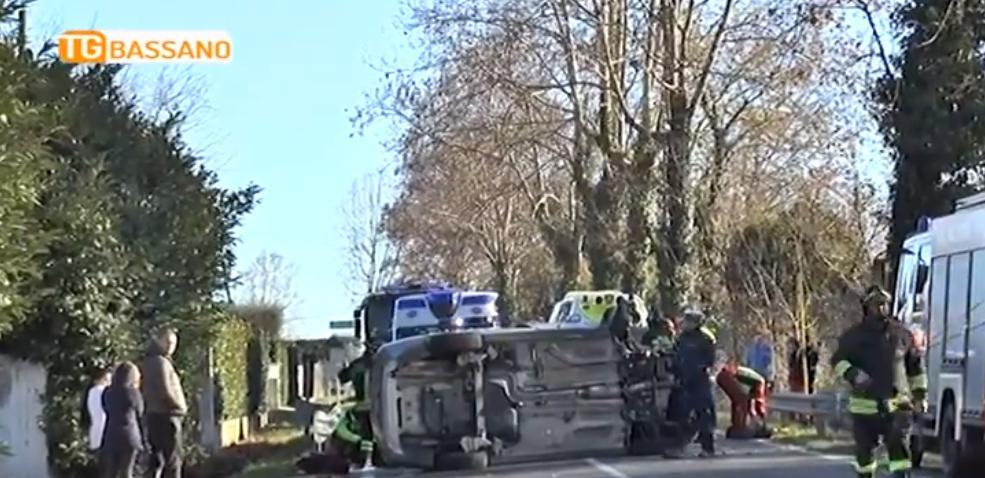 Aksident i rëndë, makina me shqiptarë godet pemën dhe…