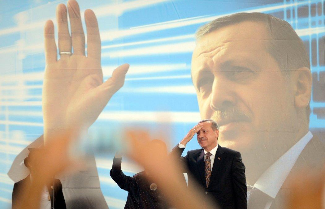 Erdogani në Athinë: Një vizitë historike, por…