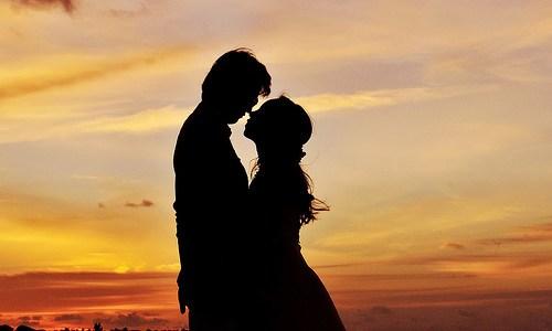 8 shenja që tregojnë se po përjeton dashurinë e vërtetë