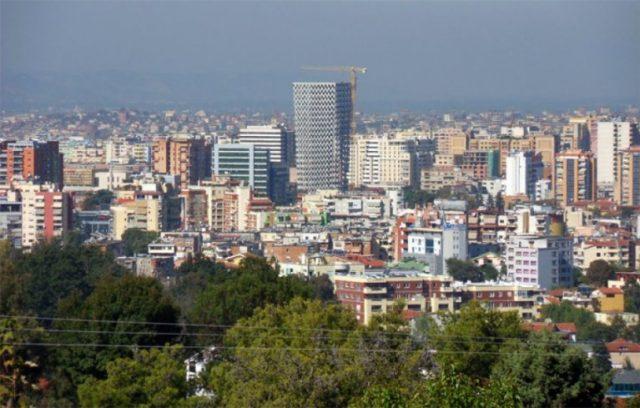 Do investoni për një shtëpi…?! – Ja sa vjet i duhet një çifti shqiptar për të blerë 100 metra katrorë