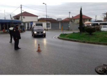Vajza bie nga motorri, aksident i rëndë në Shkodër /Foto
