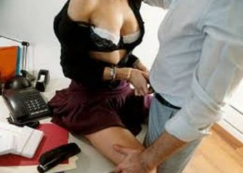 Shokohet administrata shteterore/ Seks gjatë orarit të punës, ja pamjet shokuese