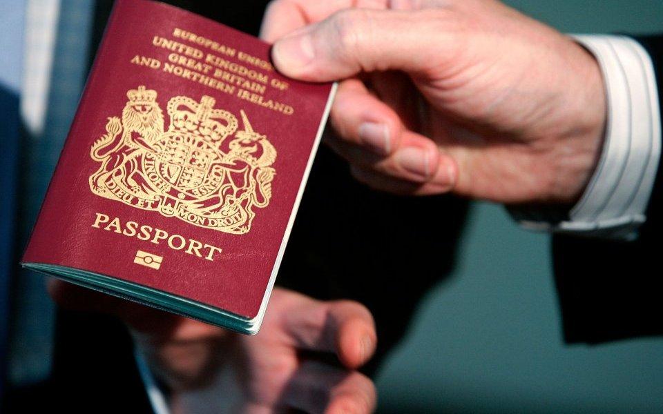 Anglia vendimin të papritur për emigrantët/ Ja çdo ndodhë me mijëra shqiptarë