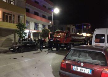 Eksploziv në Fier, momenti kur i plagosuri nxirret nga makina