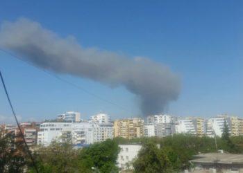 Shkrumbohet fabrika e riciklimit të mbetjeve në Tiranë