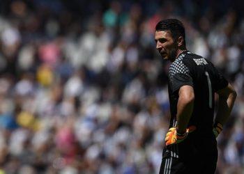 Buffon, zemërimi dhe lotët e kapitenit