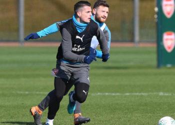 """Arsenal, Xhaka e Mustafi shpallen """"të padëshiruar"""""""