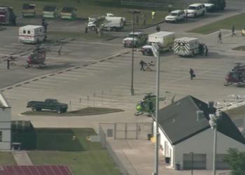 Të shtëna me armë në një gjimnaz, raportohet për 8 të vdekur