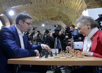 Vuçiç tregon se si luante dikur shah me shqiptarët