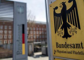 Agjencia gjermane nën akuzë për ryshfet ndaj azilantëve