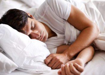 Flini gjumë në drekë? Ka diçka që duhet ta dini…