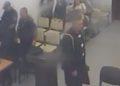 PA KOMENT / Momenti i arratisjes së 28-vjeçarit nga salla e gjyqit në Vlorë [VIDEO]