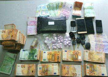 Kapen me 1.1 kilogramë kokainë, prangosen shqiptari dhe grekja