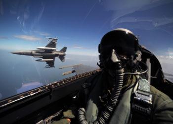 Flet piloti shqiptar që bombardoi Beogradin: Do doja të kisha bërë më shumë