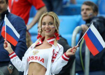 """Zbulohet """"sekreti"""" i tifozes ruse që """"çmendi"""" publikun [FOTO]"""