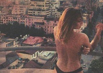 Aktorja e njohur shqiptare del lakuriq në ballkon [FOTO]
