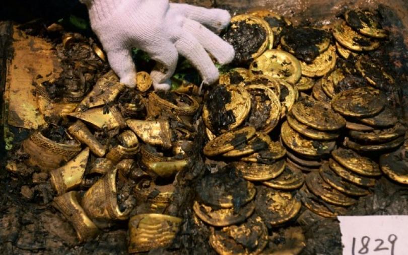 Gjenden 300 monedha ari
