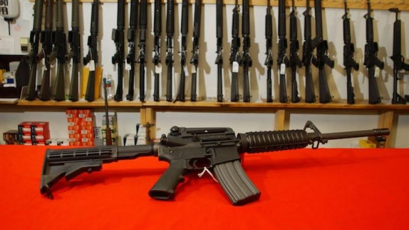 """Për """"Black Friday"""" në SHBA blihen mbi 185 mijë armë"""