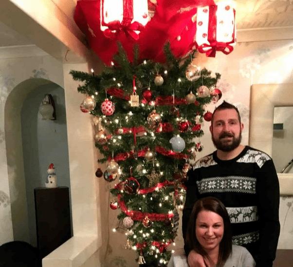 A e dini pse e varin pemën e Krishtlindjeve me kokën poshtë?