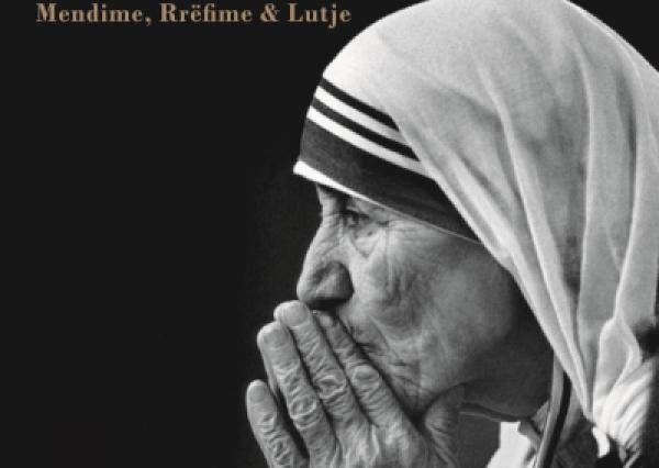 Kur Nënë Tereza çonte lule te varri i Enver Hoxhës (Video)