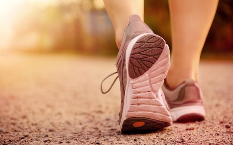 5 gjërat që ndodhin në trupin tuaj kur ecni