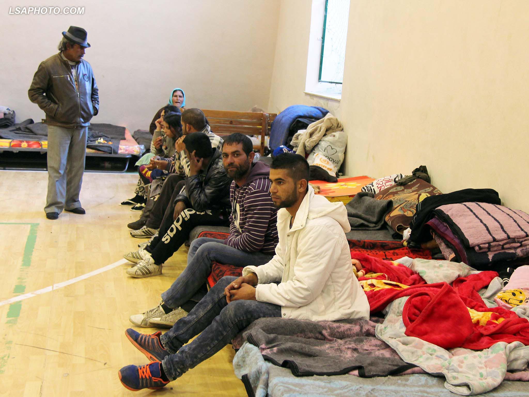 Bashkia Tiranë strehon 11 familjet rome të përmbytura