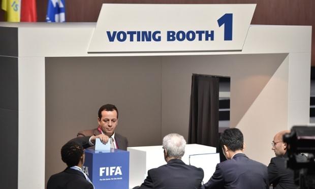 Presidencialet e FIFA-s: Edhe një muaj nga përballja mes pesë kandidatëve