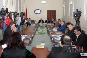 Ligji i pronave, mazhoranca rrëzon dekretin e Presidentit në Komisionin e Ligjeve