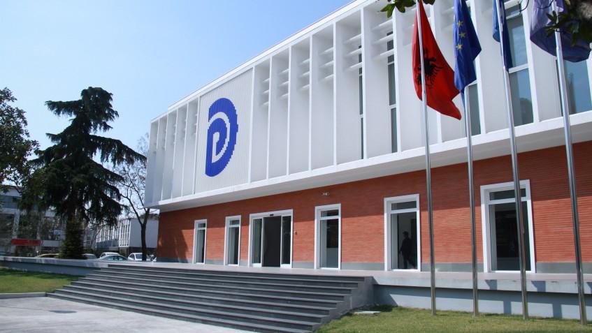 Rrëzohet kërkesa e PD për heqjen e mandatit të Sulit