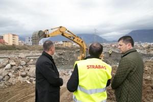 Tiranë: Punohet në 9 pika të ndryshme