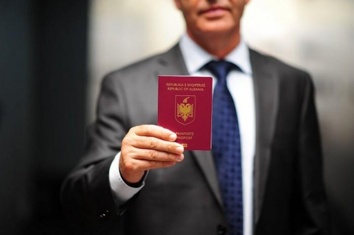 Pasaportat më të fuqishme në botë, si renditet Shqipëria