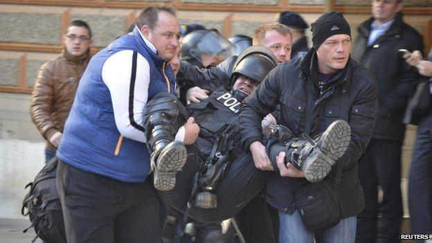 5 policë të arrestuar në Bosnje, vodhën 300 mijë euro
