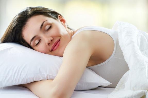 Ja kush është pozicioni më i shëndetshëm për të fjetur