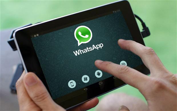 Si të përgjoni bisedat e të tjerëve në WhatsApp